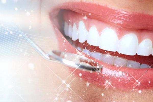 Sự Khác Nhau Giữa Bọc Răng Sứ Và Gắn Răng Sứ Veneer