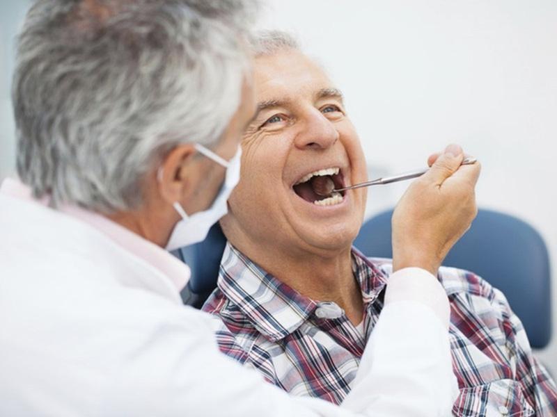 Những Lưu Ý Khi Chăm Sóc Răng Miệng Người Cao Tuổi