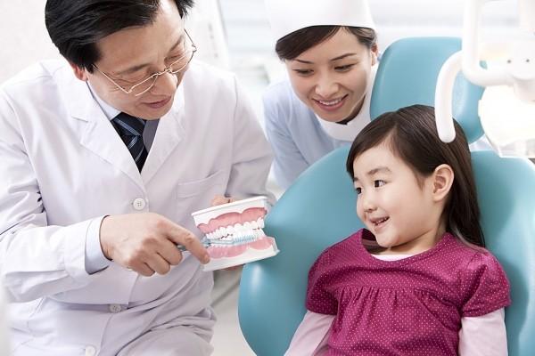 Lưu Ý: Vệ Sinh Răng Miệng Cho Bé Thế Nào Là Đúng?