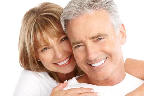 Một Số Phương Pháp Làm Răng Giả Tốt Nhất Cho Người Già